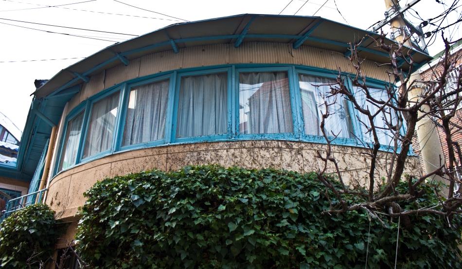 chojangdong curvy house 2