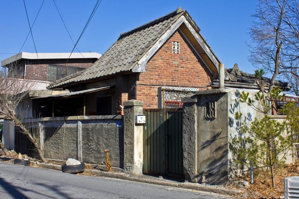 gabled brick soje-dong house