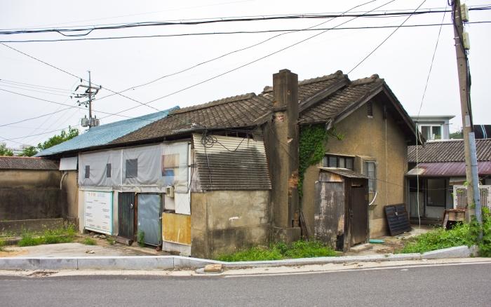 cement sprayed japanese gagok-dong house miryang