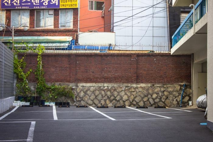masan brick wall