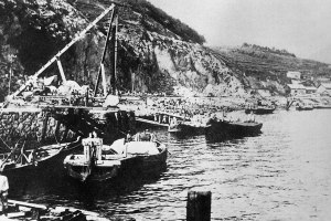 Odongdo Breakwater, 1930s.