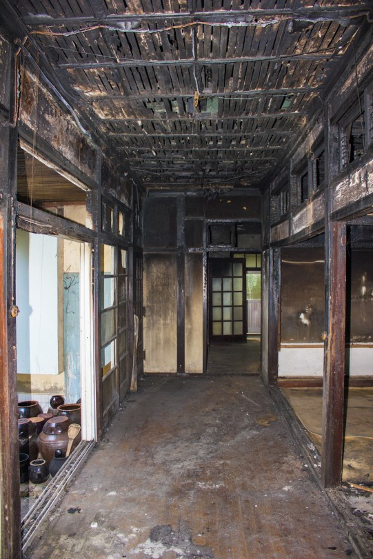 Figure 43. A view of the enclosed engawa in the former Ji Ha-ryeon house. The former home of Korean writer Ji Ha-ryeon, despite being heavily damaged by a fire sometime in the 2010s, remains an exquisite extant example of a culture house floorplan. Source: Photographed by Nate Kornegay, 2015.